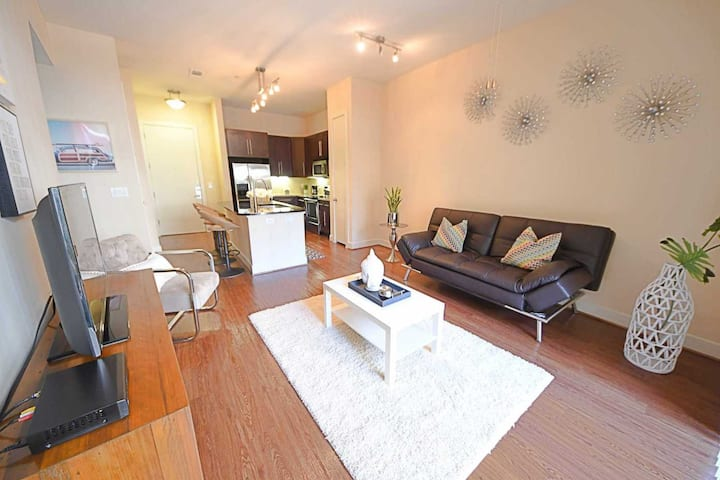 Beautiful Two Bedroom Two Bath Apartment