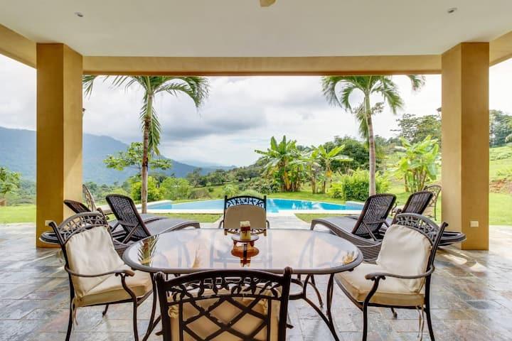 Villa DahlMar, where the Rainforest meets the Sea!