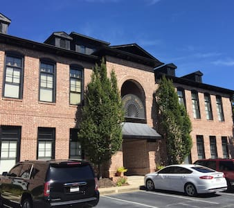 Luxury Loft+ Best street in Brookhaven! - Atlanta