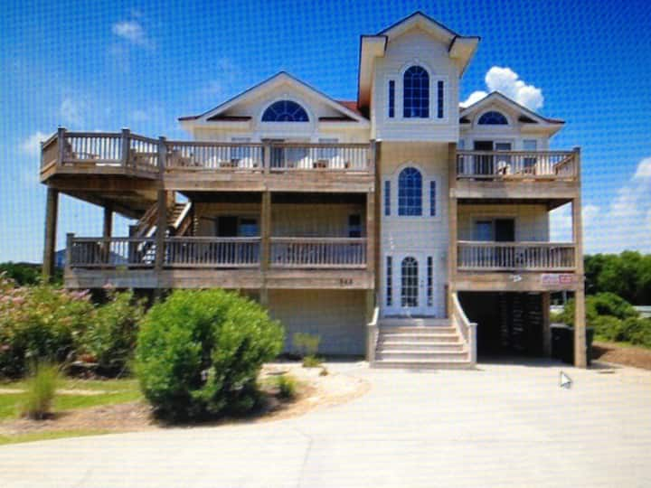 Corolla Oceanside home in Whalehead