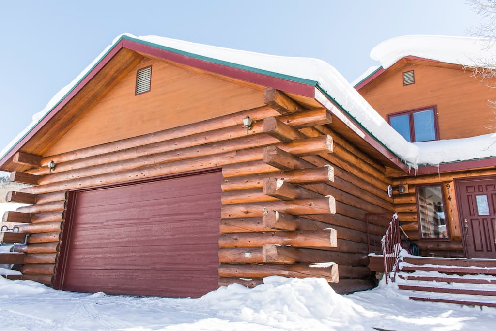 Amazing log home conveniently located  in Mt. Crested Butte