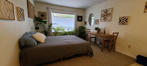 Guest suite with separate entrance