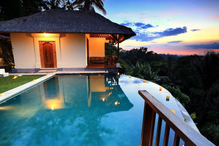 Gayatri Ubud (Deluxe Room with Valley View) - Ubud - Bed & Breakfast