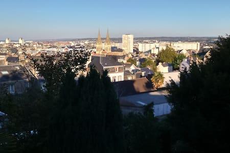"""Chambre à la maison,centre ville """" LES CAPUCINES"""" - Cherbourg-Octeville"""