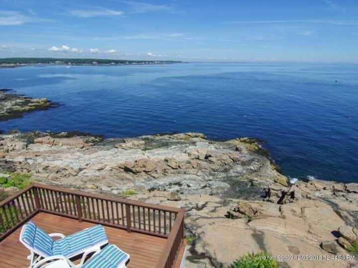 Nubble Cottage- York Beach Ocean Front & Amazing Views