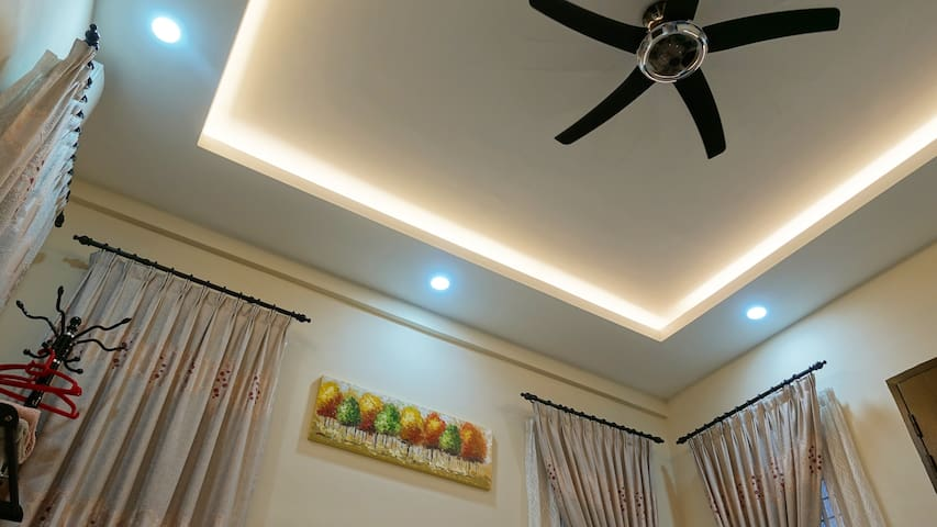 Lights, ceiling fan and air conditioning provided