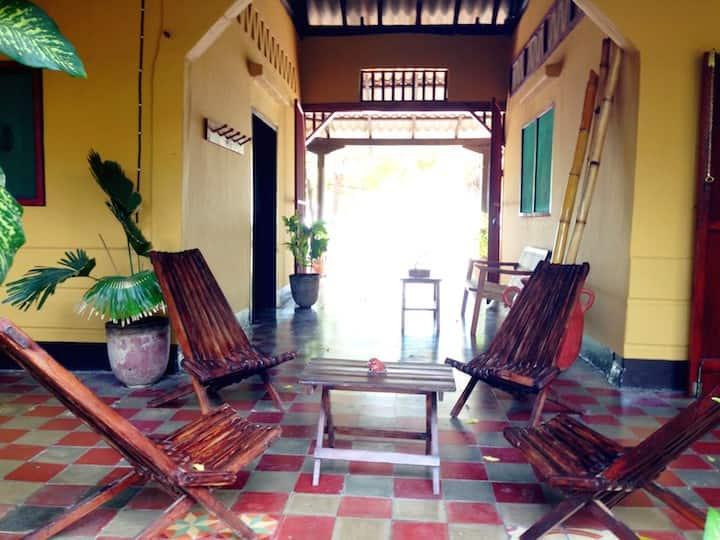 Casa Kaya - Beachfront House in Poneloya!