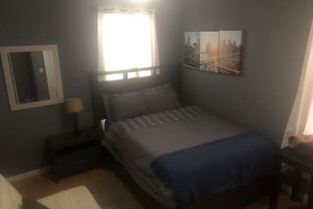 Charming 1 BR with TV--20 minutes to NYC