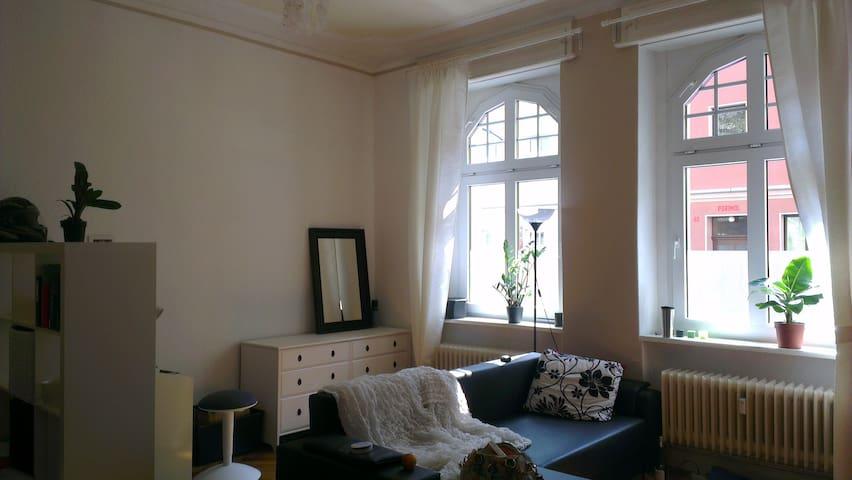 Tolles Altbauzimmer Nahe der Havel - Berlin - Apartmen