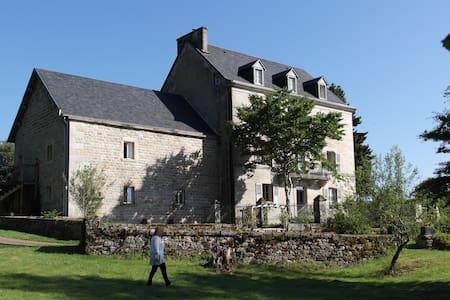 Chez Jallot - L'Etable Gite - Vidaillat - Dağ Evi