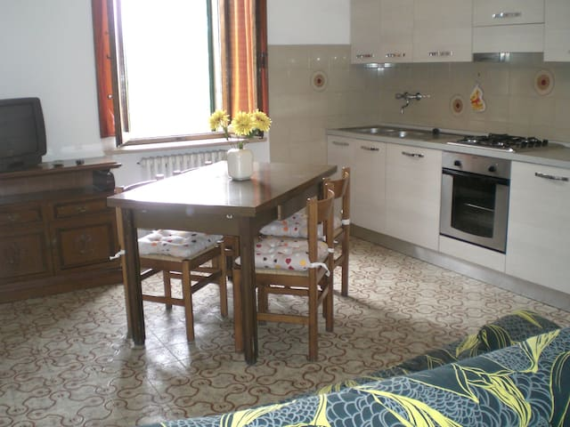 Monte Amiata, Arcidosso, trilocale m2 50 - San Lorenzo - Lägenhet