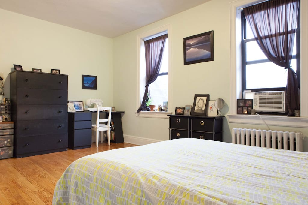 Sunny Spacious 1 Bedroom Gem Apartments For Rent In Jackson Heights New York United States