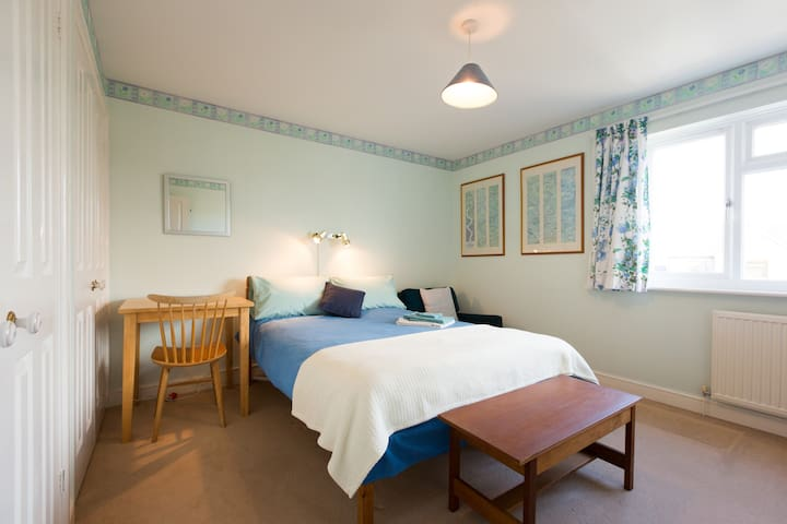 Oxfordshire, Witney Double  room - Witney - House