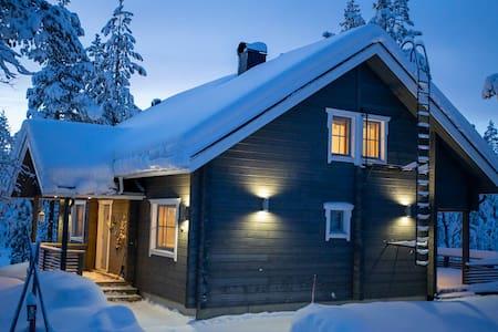 TievaStar- a cozy log villa in Ylläsjärvi