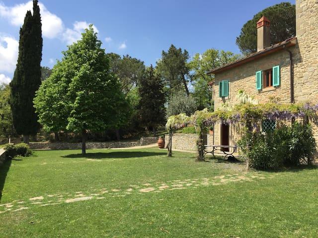 Historic villa, pool, stunning view. - Loro Ciuffenna - Casa de campo