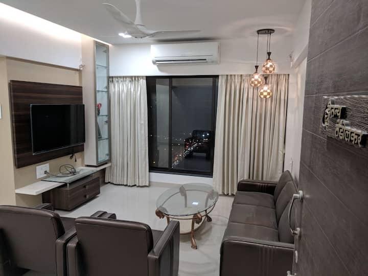 2 BHK Luxurious Apartment near BKC & Consulates