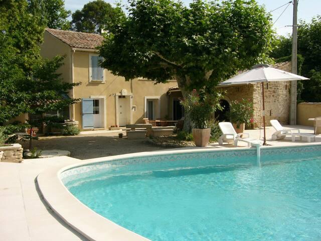 LS4-14 - Beautiful provençale house