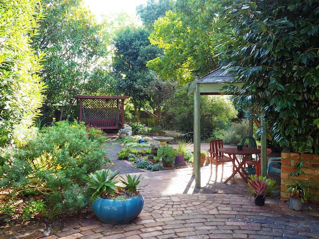 Garden Cottage - Quiet &Peaceful - Auckland - Leilighet