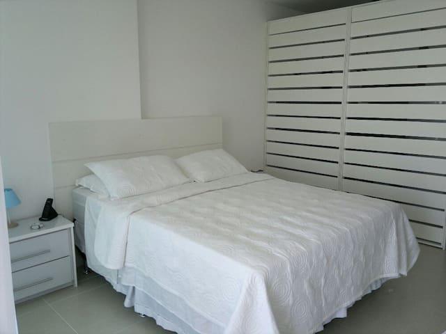 Flat mobiliado no Sheraton Macaé - Macaé