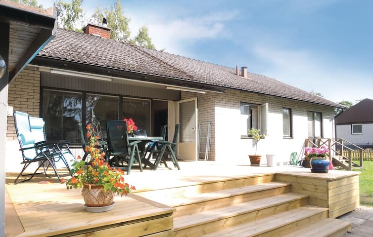 Holiday cottage with 6 bedrooms on 200m² in Tingsryd
