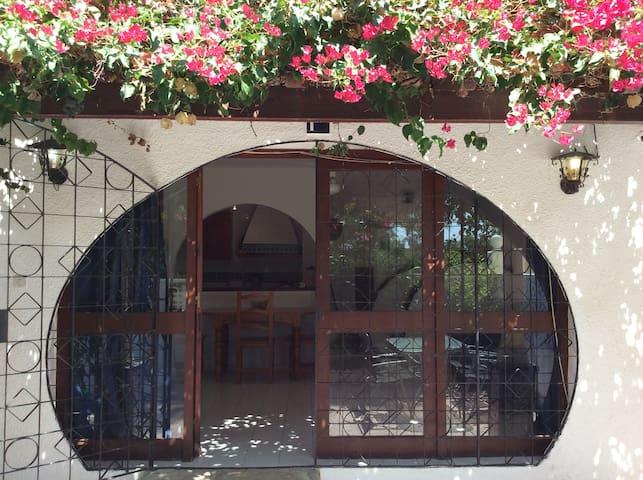 Impressive three storey house in El Campello