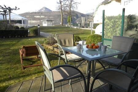 Appart 4 couchages avec terrasse et vue sur lac - Duingt - 公寓