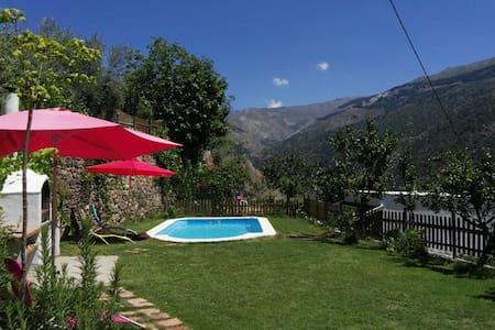 Almez de Lúa, mountain villa