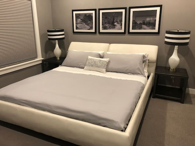 Bedroom with firm king size bed