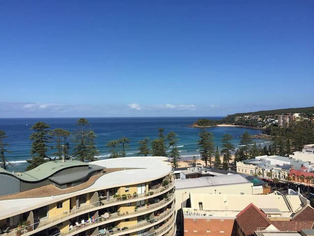 Manly beach pad overlooking the ocean - great view