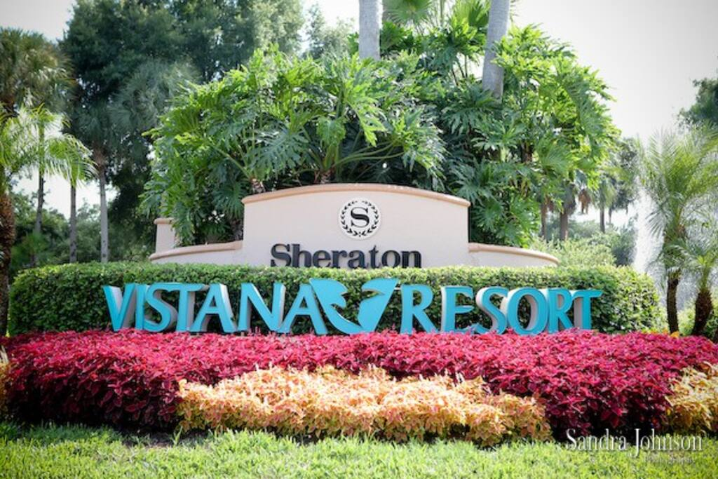 Entrance of Sheraton Vistana Resort