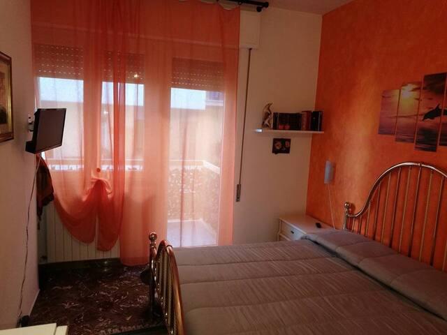 B&B Cefalù  Arancio balcone, bagno privato camera