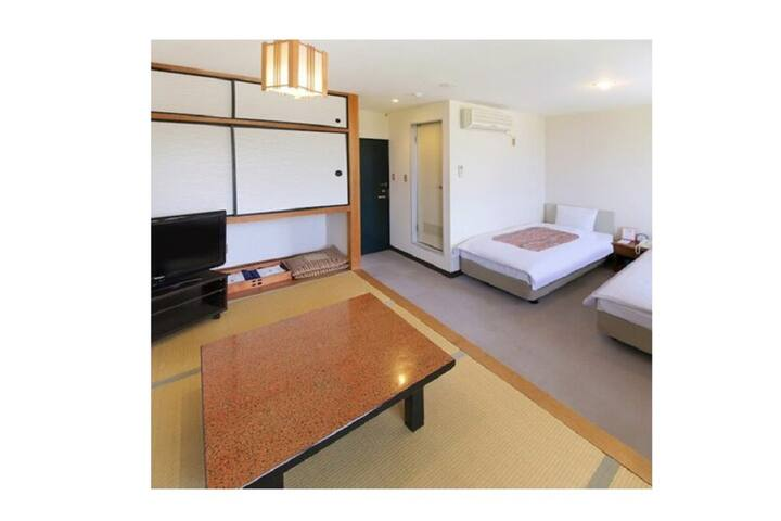 Japanese-Western style Twin room+breakfast/2-4 ppl