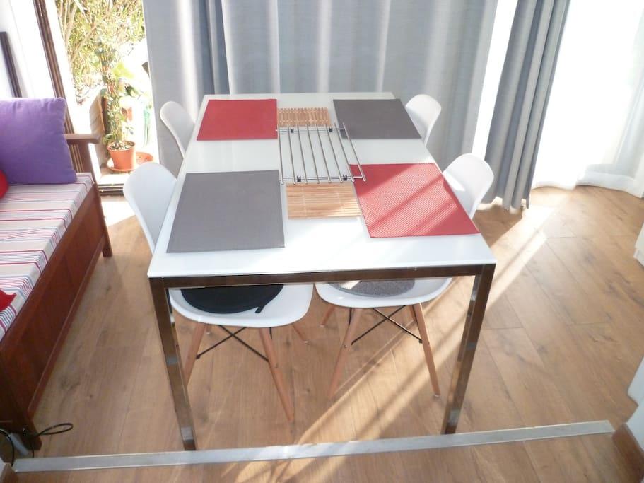 Table Intérieure
