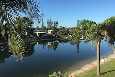 Waterfront 3 Bed House for Families - Kayak & SUP