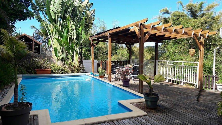Villa créole avec piscine - La Montagne - Maison