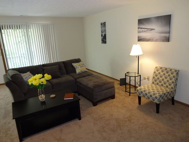 The Sanctuary...spacious 2bdrm apt - Pickerington
