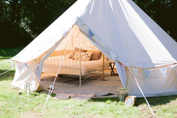 Wild camping in a beautiful bell tent (Peggy)