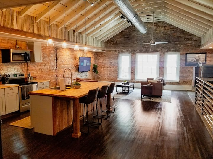 Historic Downtown Loft