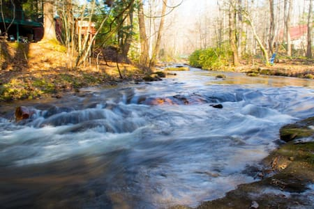 Rushing Creek Cabin