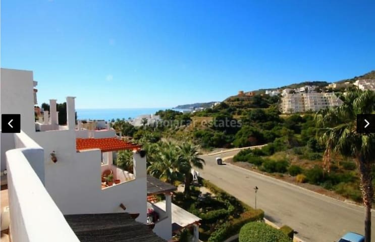 Entire House - Sea Views 300 meters to the beach