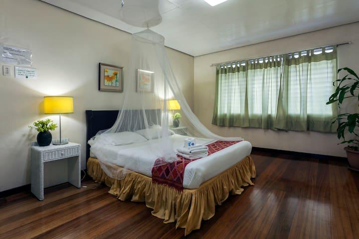 Casa Joaquin bnb (Yellow Room)