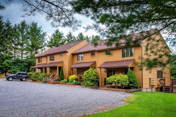 Deerfield Village 70 - Direct access to Community Pool and Tennis Court, Views, Wood Fireplace