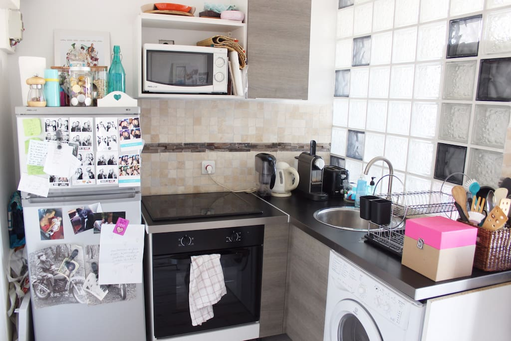 Fully equipped kitchen with oven, micro-waves, washer, coffee maker...