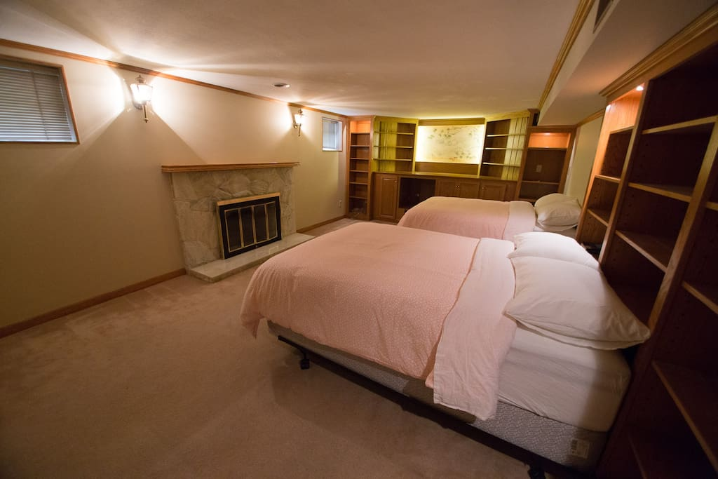 Soft carpets, fireplace and super comfortable beds.