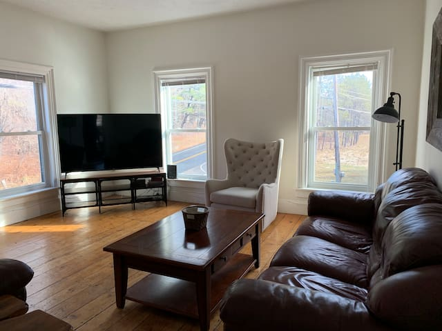 Updated 3-bedroom condo just 10 minutes from Okemo