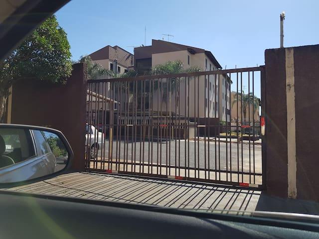 Apartamento próximo ao Ribeirão Shopping