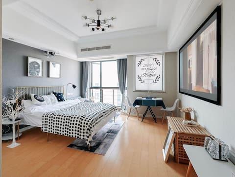 美宿✨地铁口广场公寓 💫近机场高铁 百寸投屏可做餐 新居公寓14