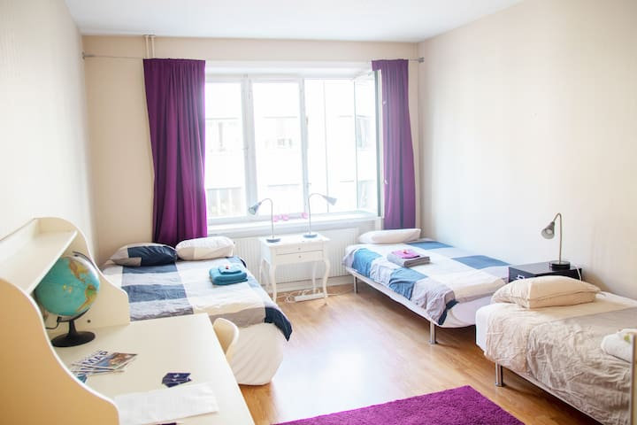 Big room in central Stockholm for 3 ppl