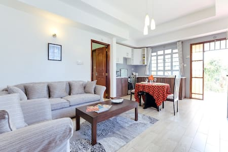 Spacious 1Bdr Guest House with Garden