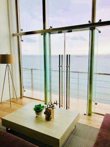 Anilao Beach House2